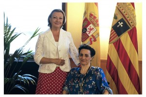 Maria Isabel Alastuey con   la presidenta Luisa Fernanda Rudi
